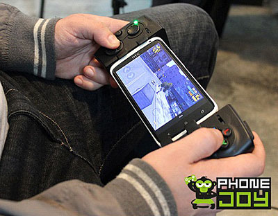 PhoneJoy Play - game controller for smartphones in action